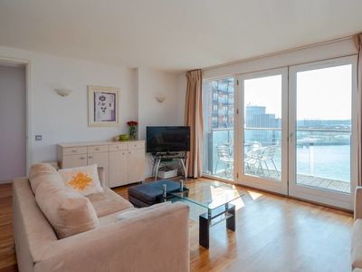 Photo for Stylish Modern 2 Bedroom Apartment