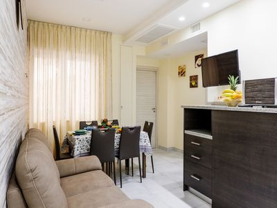 Photo for Modern 2 bedroom apartment in the city centre