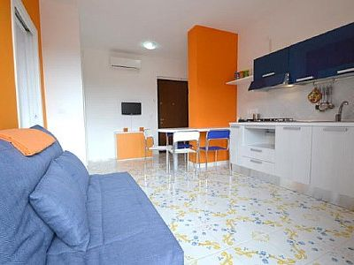 Photo for One bedroom Apartment, sleeps 2 with Air Con, FREE WiFi and Walk to Beach & Shops