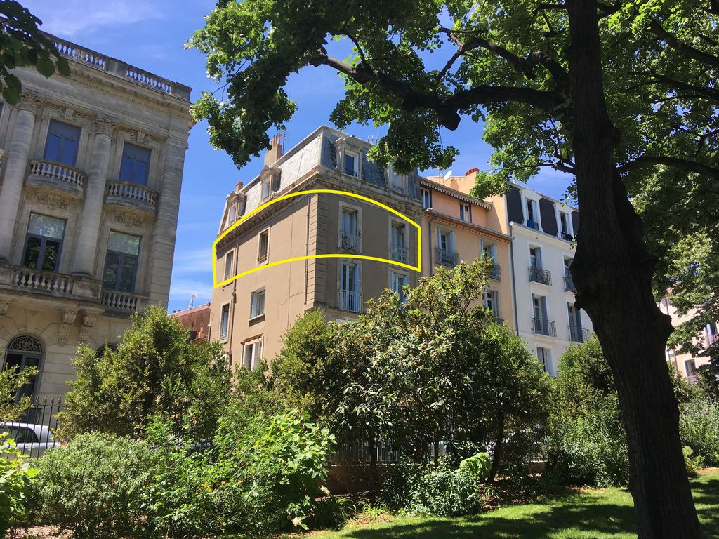 In And Out Beziers excellent location ideal for long term rentals - no need for car. - béziers  city centre