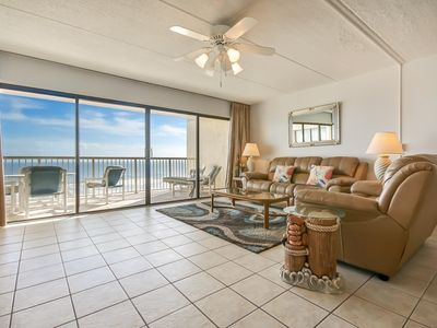 Photo for Modern and Beautiful  7th Floor 3 Bed/2 Bath Oceanfront condo that sleeps 7.. Laundry in unit. Amenities include pool, community grills, private fishing pier and tennis courts!