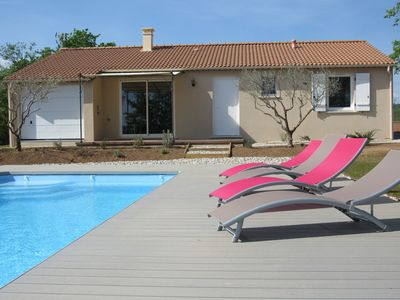 Photo for Large detached house with swimming pool 3 bedrooms, 2 bathrooms for 6 to 8 people
