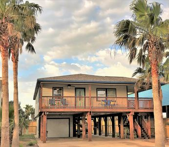 Photo for Twelve Palms:  Relax Close to the Beach and Downtown-Sleeps 10 and Dogs Welcome