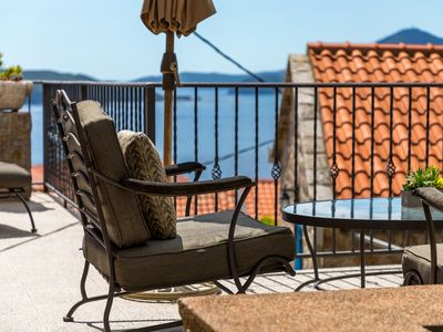 Photo for Rustic Style Holiday Home With Sea View