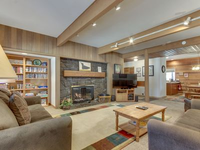 Photo for Inviting condo w/ entertainment, private hot tub and SHARC access!