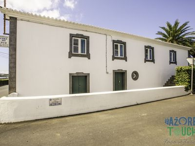 Photo for Hospedaria Casa D'Avó Quarto 3 - Twin - Bed&Breakfast for 2 people in Praia da Vitória