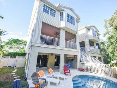 3 Minute Walk to the Gulf Beaches with Private Heated Pool