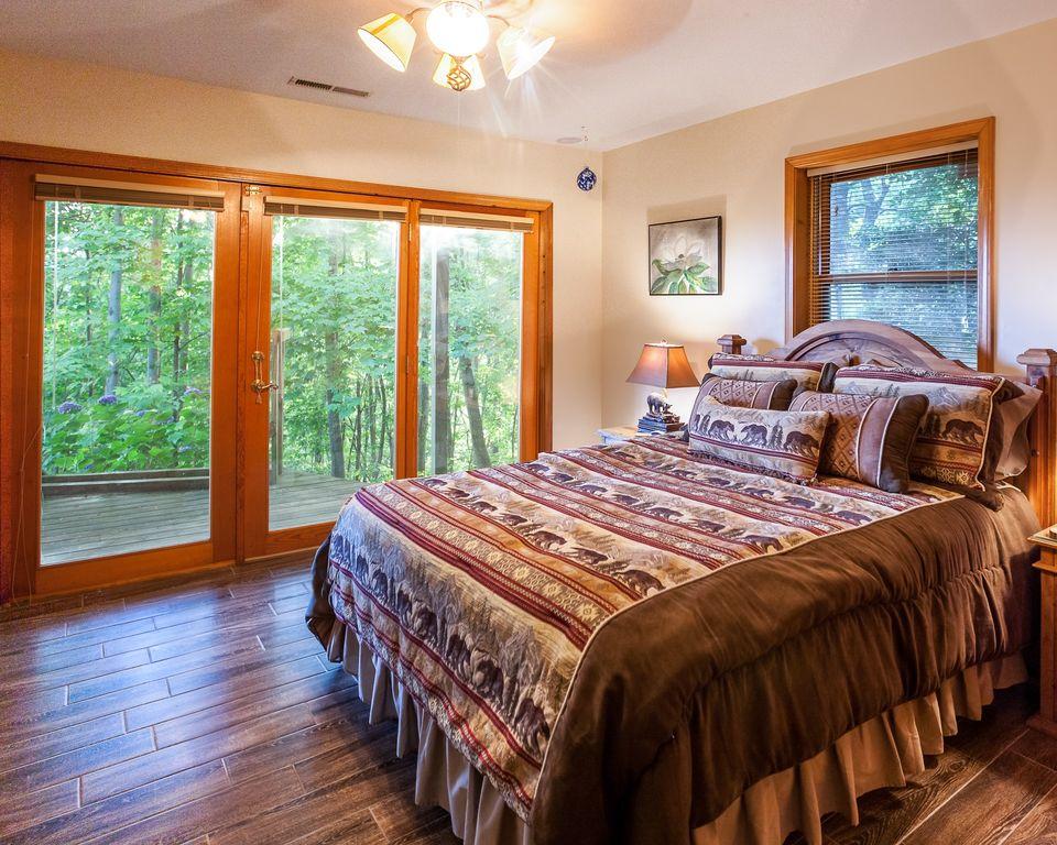 Eagles Nest Hideaway Luxury Cabin Spectacular Views Hot