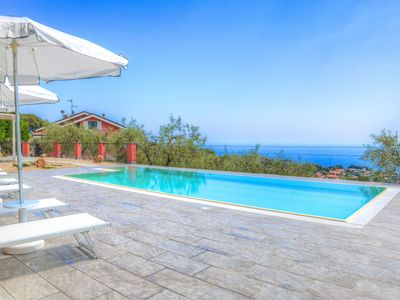 Photo for Villa Beatrice - Apartment in Villa with swimming pool, garden and sea view