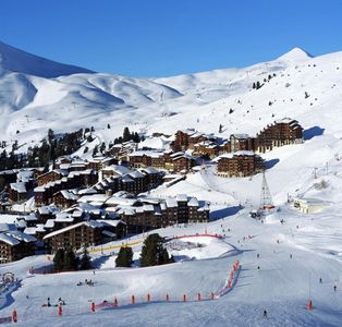 Photo for A BELLE-PLAGNE (2050 m), SKIS ON FOOT, IN THE HEART OF THE STATION, THE BERYL