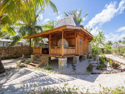 Photo for Beachfront Bungalow on Rote Island
