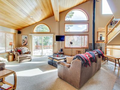 Photo for Mountainview home w/ shared hot tub/pool/sauna - close to skiing!