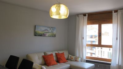 Photo for VERY CENTRAL, NEW, modern and comfortable. Accommodating sleeps 6