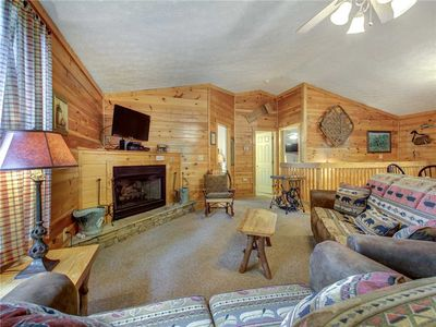Photo for High Times, 3 Bedrooms, Fireplace, Hot Tub, Pool Access, Sleeps 10