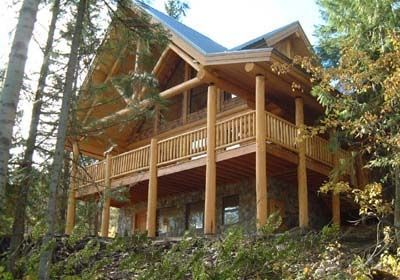 Quality hand crafted log home with lots of privacy