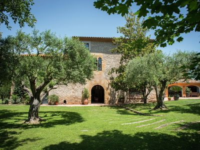 Photo for Big typical Catalan farmhouse with private garden and pool in Baix Empordà