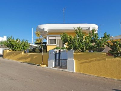 Photo for The house, located on a small hill 500 meters from the center of the marina of Torre Vado,