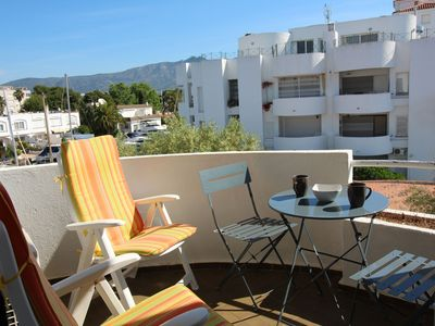 Photo for Located in a quiet area, well equipped, with communal garden and parking. POSSIBILITY