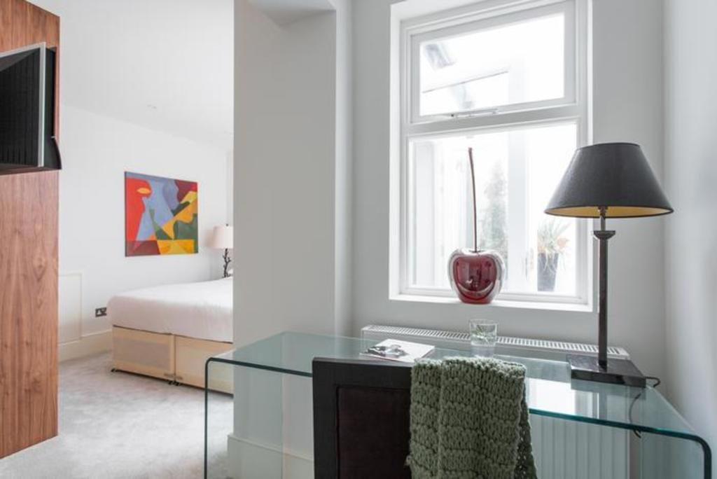 London Home 95, The Complete Guide to Renting Your Exclusive Holiday Home in London - Studio Villa, Sleeps 6