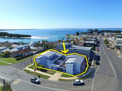 Photo for Great location! Main St Huskisson - Family Friendly Apartment - 750m to beach!