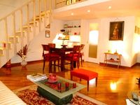Perfect location, perfect stay & wonderful host - great apartment, highly recommended