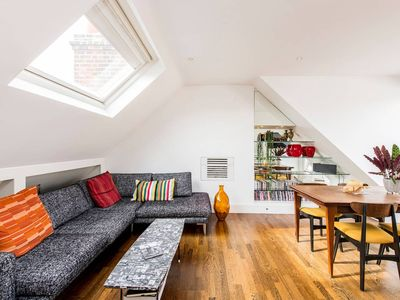 Photo for Beautiful 2-Bed W/ Roof Terrace in Holland Park