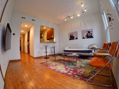 Hip & spacious 2BR in the heart of Wicker Park