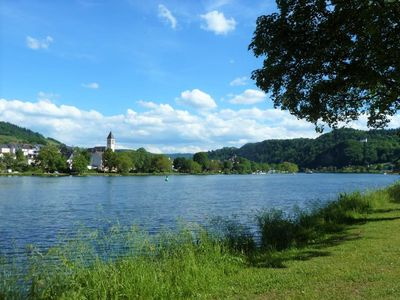 Photo for Directly at the Mosel with dream view own Moselwiese grill place WLAN Kitchen 40qm