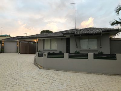 Photo for Currambine, Cosy family home with sparkling pool, near Burns Beach