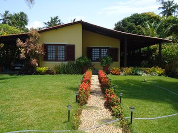 House to the SEAFRONT on the beautiful beach of Japaratinga