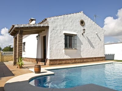 Photo for Nice, chic and priceworthy chalet with 2 bedrooms for 4 persons and private pool only 500m from Conil de la Frontera, with wifi