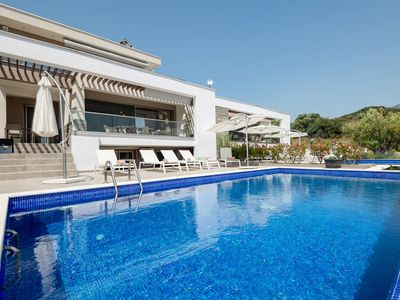 Photo for Afisia Magnum Pool Villa IV, Sarti