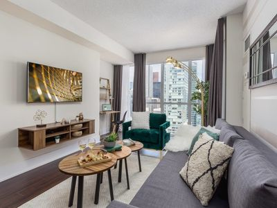 Photo for Central & Stylish Downtown Condo (Near Union)