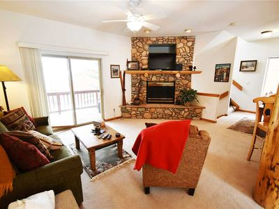 Photo for Dillon Ski Condo - Easy Access to Resorts, Shops. 2 Large Community Hot Tubs, Garage, Gas Fireplace