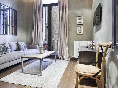 Photo for V. Clarà apartment in Eixample Dreta with WiFi, air conditioning, private terrace & lift.