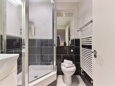 Photo for 1BR Apartment Vacation Rental in London City