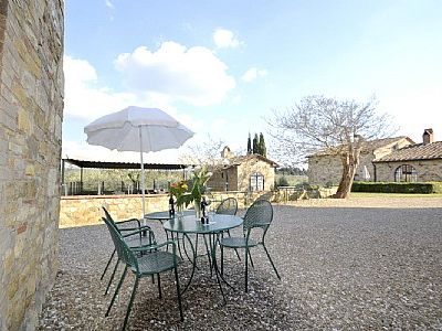 Photo for 2 bedroom Villa, sleeps 4 in Fattoria Montecchio with Pool, Air Con and WiFi