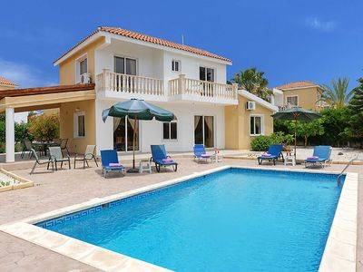 Photo for Villa Dentro - This detached Villa is in the heart of Coral Bay & has WI-FI