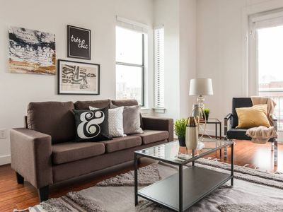 Photo for Chic Central Uptown Loft 1BR @ Shopping + Dining