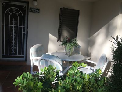 Photo for ***SPECIAL PRICING*** Centrally located..Minutes to Beach, Golf, Tennis,Shopping