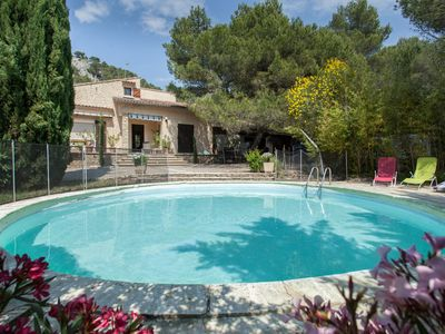 Photo for House Luberon landscaped park of 3 hectares (photos) heated pool