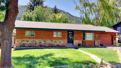 Photo for Eagle's Nest- 4BR Family Friendly Home with ac in Glenwood Springs, Pmt #18-058