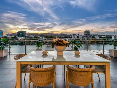 Photo for Stunning Waterfront Penthouse 3-Bed Luxury