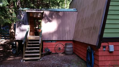 Photo for Alpine Retreat, A Riverside Getaway Just A Stones Throw From Hope