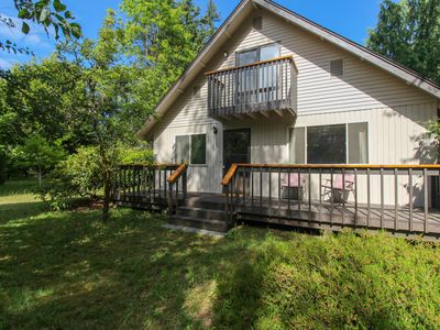 Photo for NEW LISTING! Relaxing house w/private yard & entertainment - walk to the beach!