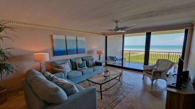 Photo for 2 bedroom 2 bath beachfront condo - 402