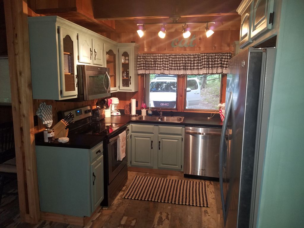 Property Image#3 Wolf Laurel CC Golf Front Cabin With STUNNING VIEWS!