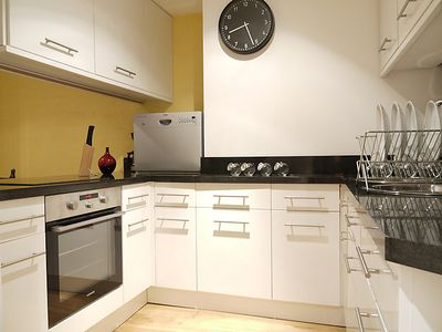 Photo for Apartment Carmarthen in London South Bank - 4 persons, 2 bedrooms