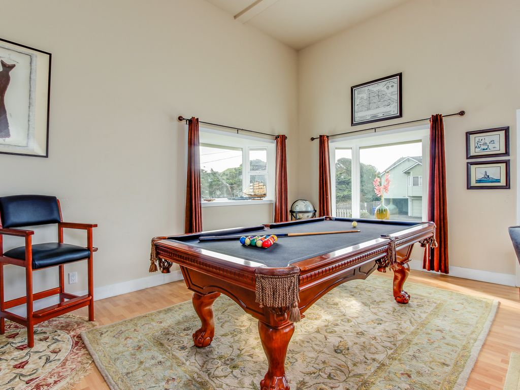 Luxury Home W Game Room Amp Hot Tub Overlooking The Beach