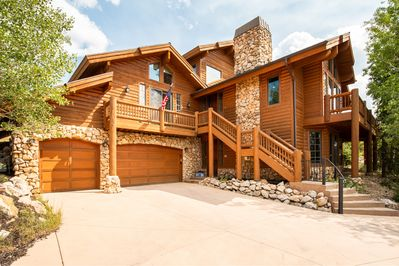 Sunset Lodge - 5000 sq ft custom Lower Deer Valley private home, heated driveway